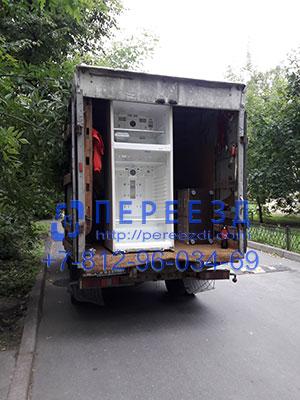 Перевозка холодильника спб