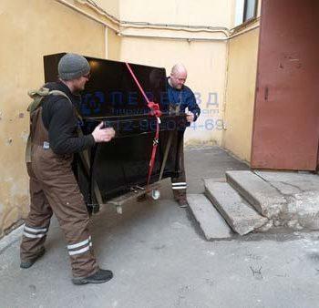 Перевозка пианино, перенос пианино по дворовой территории