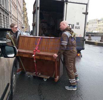 Перевозка пианино и погрузка его в авто Переезды СПб